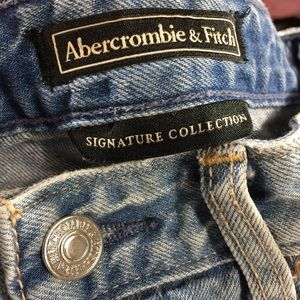 Abercrombie & Fitch Jeans - Abercrombie & Fitch Girlfriend Embroidered Jeans